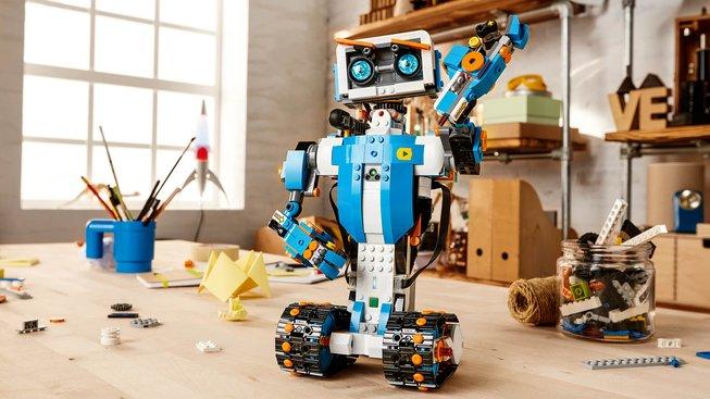 Lego Boost připomíná Číslo 5