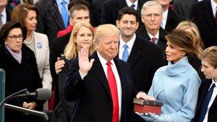 Donald Trump složil prezidentskou přísahu