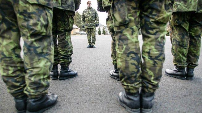 Česká armáda potřebuje nové rekruty, i za cenu snížení zdravotních kritérií