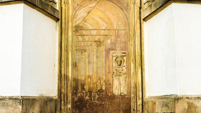 Kopie raně gotického náhrobku svatého Vintíře v Břevnově