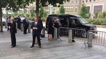 Záběry kolabující Clintonové, které obletěly svět