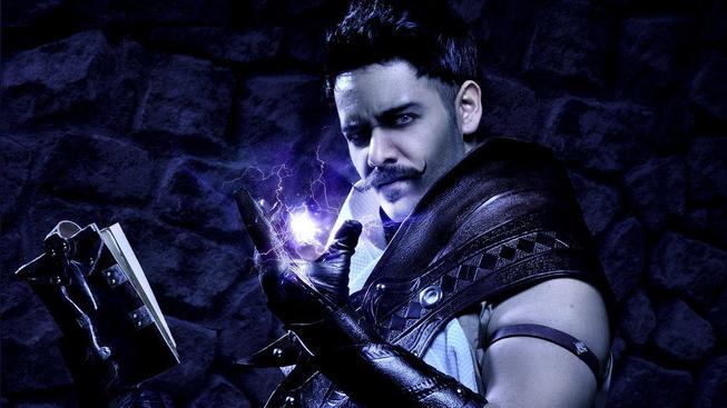 Originální cosplay z Dragon Age představuje kníratého Doriana