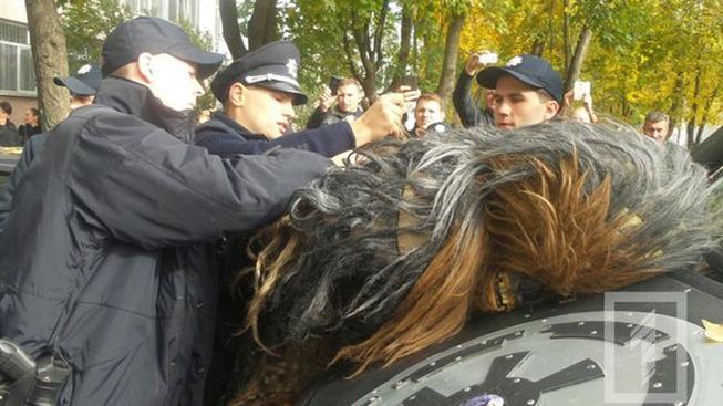 Na Ukrajině zatkli Chewbaccu - veřejně podporoval Dartha Vadera