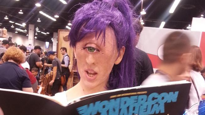 Děsivá i fantastická zároveň - realistický cosplay Leely z Futuramy