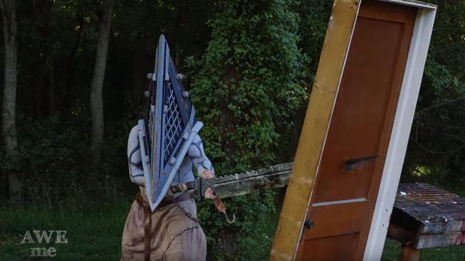 Banda drsňáků vyrobila obří nůž Pyramid Heada ze série Silent Hill