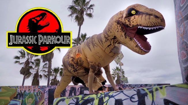 Jurassic Parkour – T-Rex ve stylu Assassina!