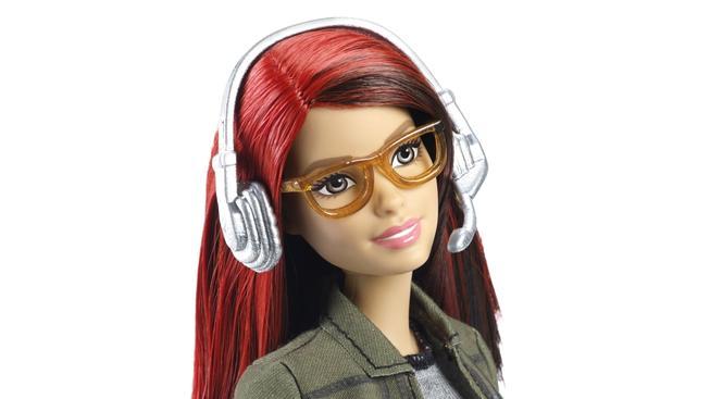 Seznamte se, tahle Barbie je herní vývojářka. A trollové jí nesnáší.