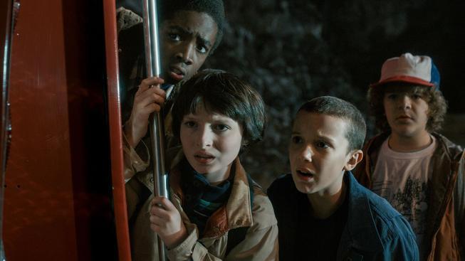 Podívejte se, jak vyděsili herce ze seriálu Stranger Things