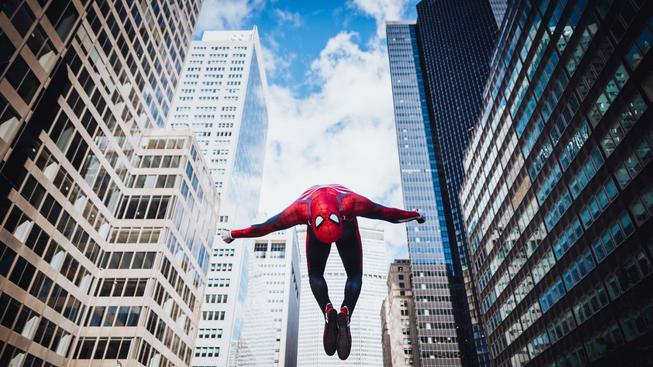 Skvělé fotografie cosplaye Spider-Mana, které vypadají až moc opravdově!