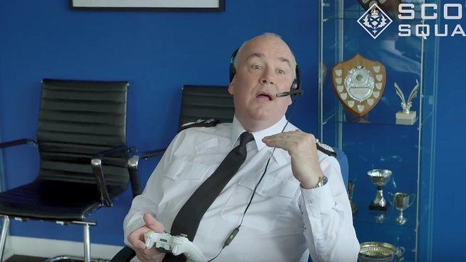 Skotský policista si vyzkoušel Call of Duty, aby bojoval proti šikaně