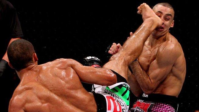 Pět skvělých KO účastníků večera UFC Gaethje - Barboza