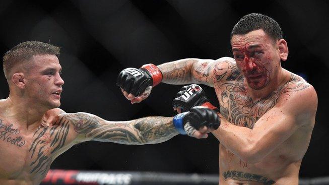 Výsledky UFC 236: Neporazitelný Adesanya a krvavý Holloway