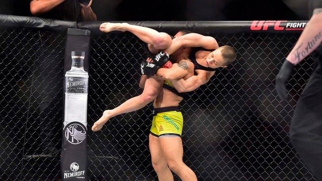 Rose Namajunas jde z kola ven a na UFC 249 proti Jessice Andrade nenastoupí
