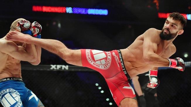 V dnešním MMA jde o to být dobrým hercem, tvrdí šampion Oktagonu Buchinger. Nelíbí se mu ani zápasy celebrit