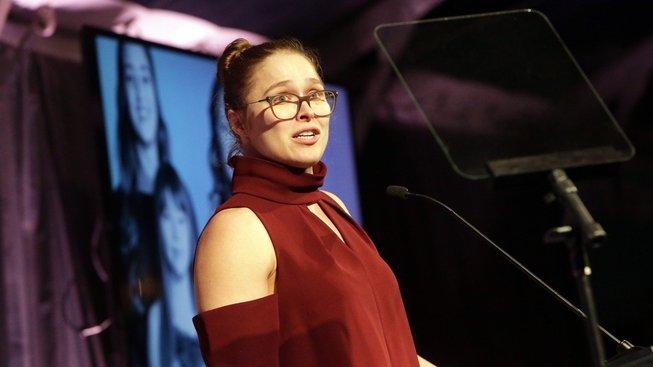 """""""Jsem na sebe sakrá hrdá, že jsem změnila svět,"""" říká Ronda Rouseyová"""