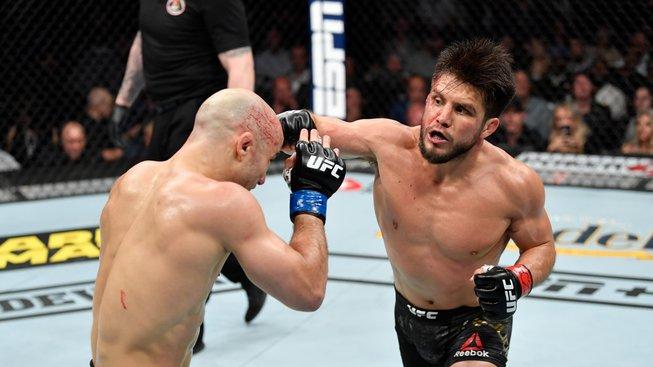 Cejudo se zařadil mezi šampiony UFC ve dvou vahách