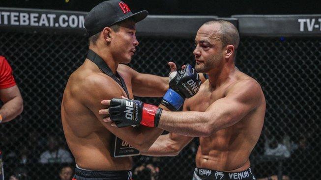 Nejlepší bojovníci nejsou pouze v UFC, alespoň dle ex-šampiona Alvareze
