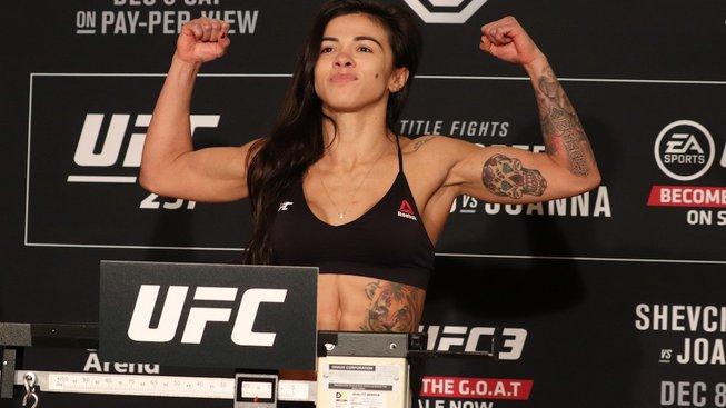 Alexa Grasso neudělala váhu a její zápas proti Claudii Gadelha se ruší