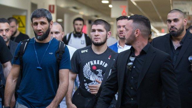 """""""Cormier by měl chtít ještě jednu odvetu s Miocicem"""" myslí si hvězda UFC Nurmagomedov"""