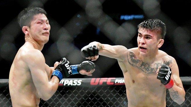 Zábavná přestřelka Bautisty se Sonem a další výsledky z prelims UFC San Antonio