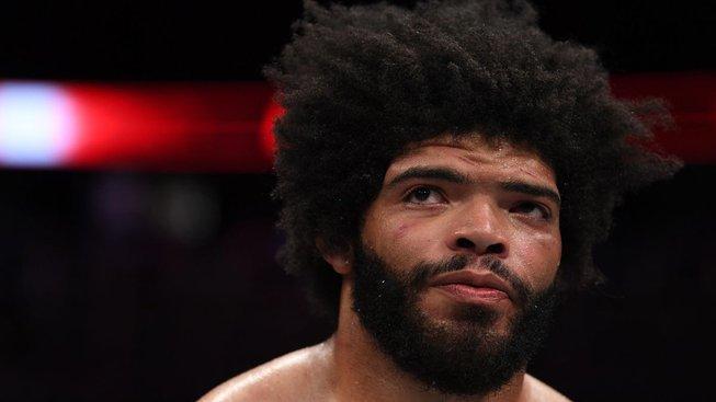 """""""Omlouvám se fanouškům a UFC za to, co jsem předvedl po zápase,"""" kaje se Juan Adams"""