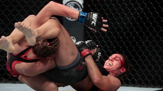 I přes prohru ocenilo UFC výkon Pudilové milionovým bonusem, uznání sklízí i od zahraničních médií