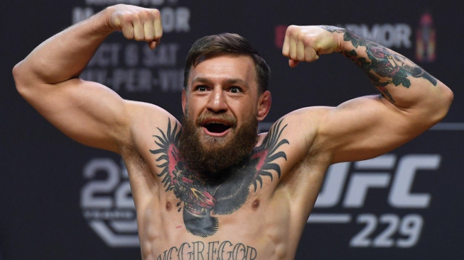 """McGregor šílí a vzkazuje Khabibovi: """"Neber si mé jméno do pusy!"""" Nenávidění rivalové se prý těsně minuli v restauraci"""