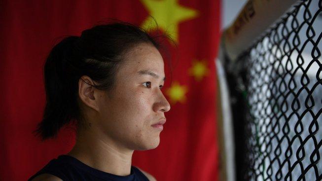Šampionce UFC Weili Zhang neudělili víza do USA