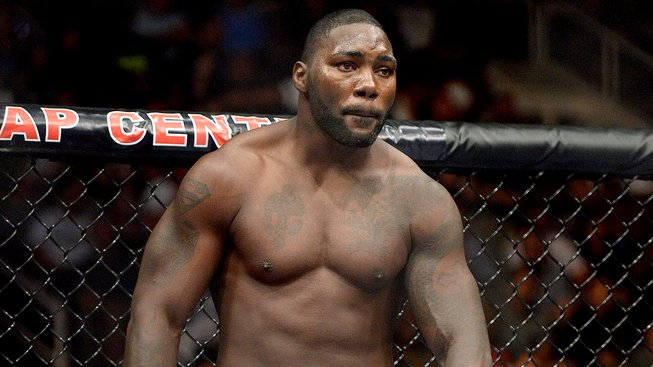 """Anthony """"Rumble"""" Johnson byl krátce po svém vítězství na KO zadržen policií"""