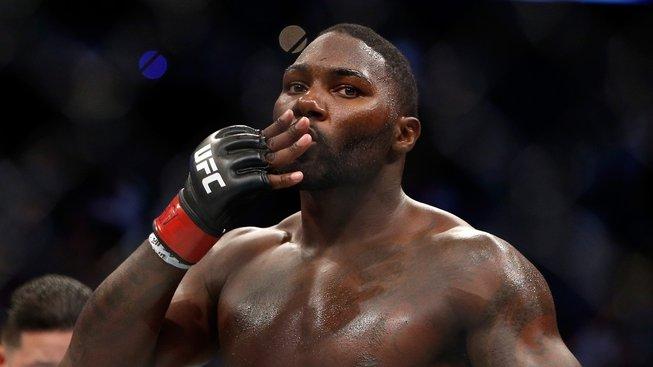 """""""Pan Knockout"""" Anthony Johnson se po 3 letech vrací zpět, namísto UFC se však upsal Bellatoru"""