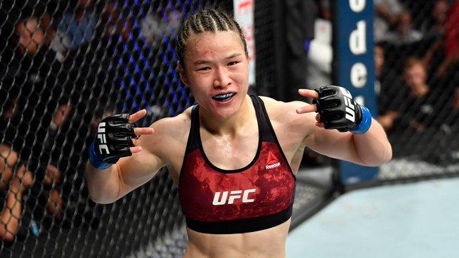 Neskutečné! Zhang zničila Andrade šílenou smrští už po 42 vteřinách a je první čínskou šampionkou UFC