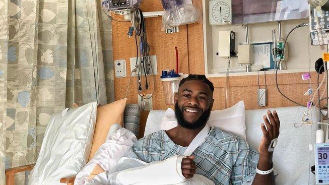 Už přes dva roky se potýká Aljamain Sterling se zraněním