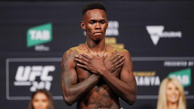 Superfight Jones vs. Adesanya? Dana White není proti, má však jednu podmínku