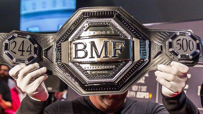 Velká show je za námi, BMF pás má svého majitele, připnul mu jej sám Rock