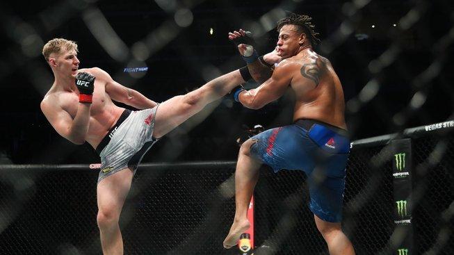 Nejvyšší muž UFC se střetne s neporaženým Francouzem. Bude to zápas roku, slibuje Rus
