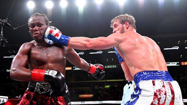 Slavnostní boxerský večer zakončil duel dvou Youtuberů, Logana Paula a KSI