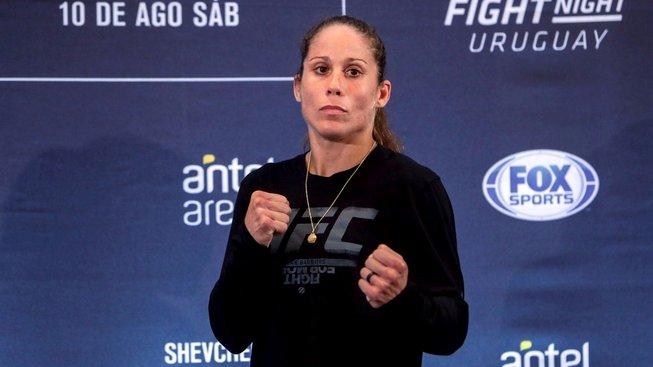 Liz Carmouche a Renan Barao dostali padáka z UFC