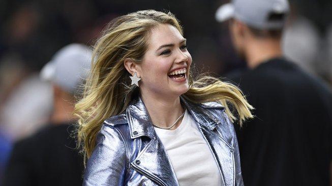Celebrity se stále více zajímají o bojové sporty, dokazuje to i úspěch Kate Upton v jiu-jitsu