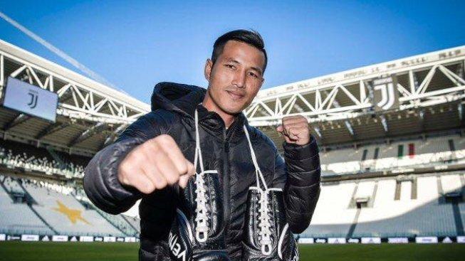 Thaiboxer Jiří Apeltauer se rozloučí s kariérou zápasem s legendou Sudsakornem