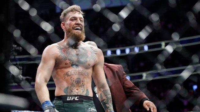 """Conor McGregor se chtěl v srpnu utkat s bizarním soupeřem. """"Brácho, kvůli takovému zápasu bychom ztratili licenci,"""" uzemnil ho Dana White"""