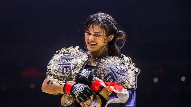 Před týdnem bojovala v MMA, teď bude Stamp Fairtex obhajovat svůj titul v kickboxu
