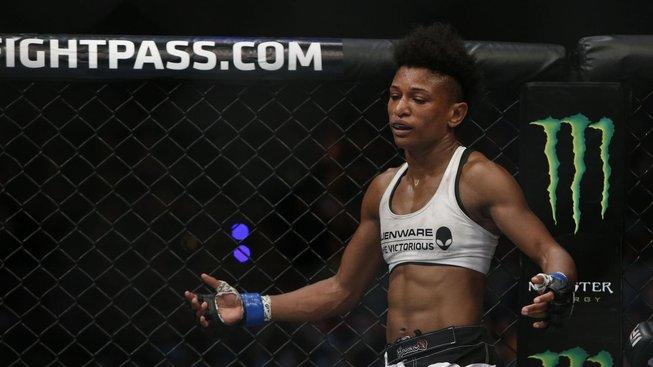 Angela Hill o víkendu stanoví nový rekord UFC, bude zápasit pošesté během pouhých deseti měsíců