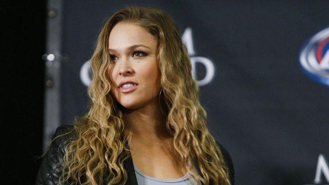 První ženský zápas v historii UFC. Ronda Rousey a Liz Carmouche ozdobily turnaj UFC 157