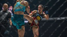 Janet-Todd-defeats-Stamp-Fairtex-ONE-KING-OF-THE-JUNGLE-AC-8375