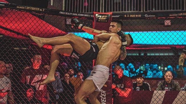 Reality show I Am Fighter zná finalisty, zápas Herajn vs. Cao zvedal diváky ze sedadel