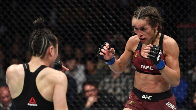 Jeden z nejlepších zápasů v dějinách MMA! Zhang těsně porazila Joannu a obě se zapsaly do historie