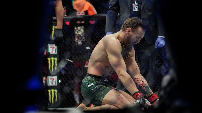 """Zatracený blbý virus!"" napsal Conor McGregor, přišel o svou tetu"