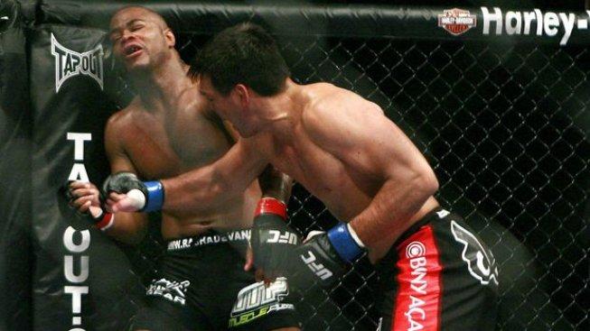 Bez jediného zaváhání vystoupali až na vrchol UFC. Co bylo s neporaženými šampiony dál? (1.díl)