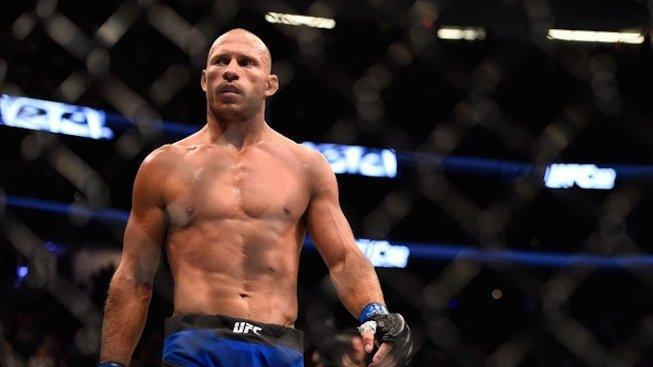 """""""Vykopnul mi játra z těla,"""" říká Cerrone, který se bude chtít pomstít kamarádovi Pettisovi na UFC 249"""