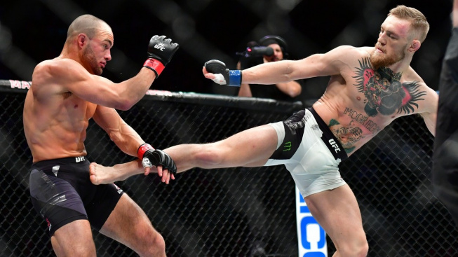 Eddie Alvarez vs Conor McGregor